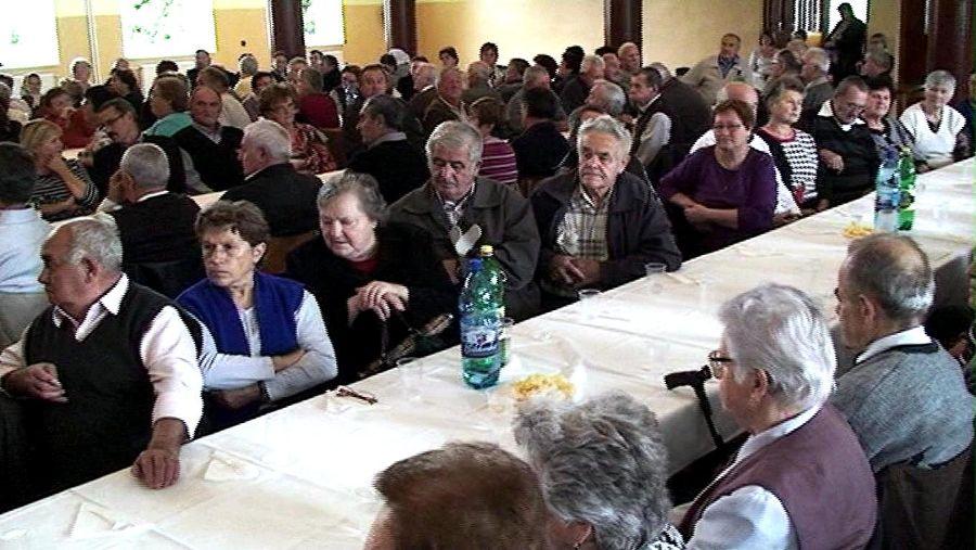 Photo of VIDEO – Posedenie s dôchodcami – Október 2014