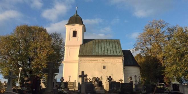 Slávnostné posvätenie Kostola Všetkých svätých v Dechticiach po revitalizácii:
