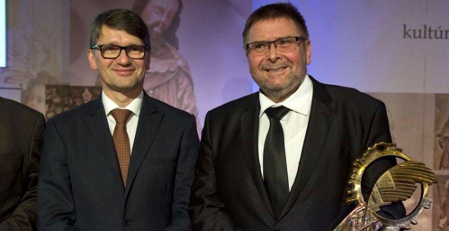 Photo of Obec Dechtice získala cenu FÉNIX – Kultúrna pamiatka roka 2015